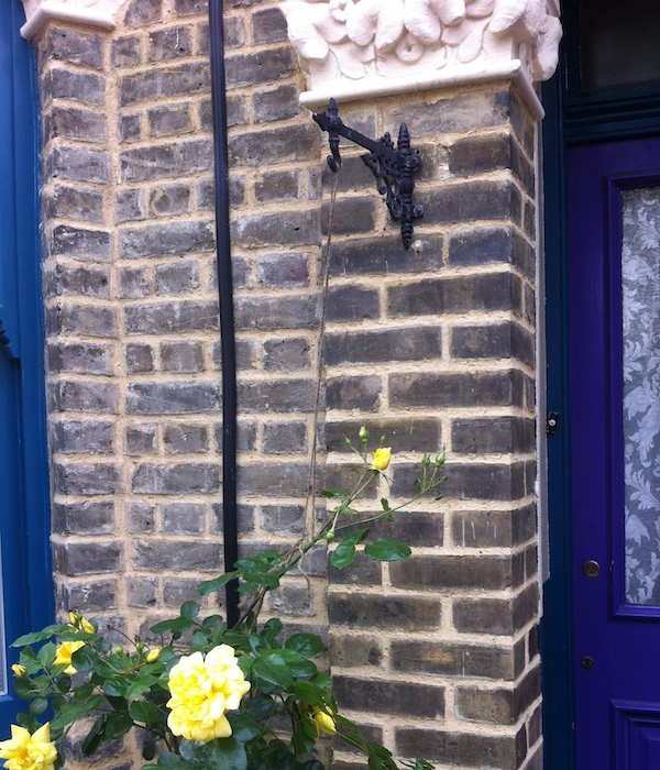 Lime repointing